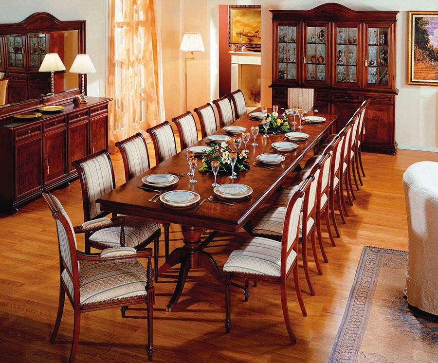 Idee per arredare una sala da pranzo classica n.31