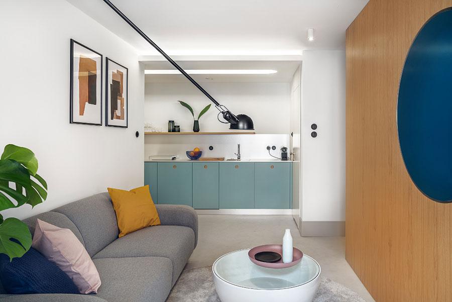 Idee per un soggiorno con angolo cottura n.03