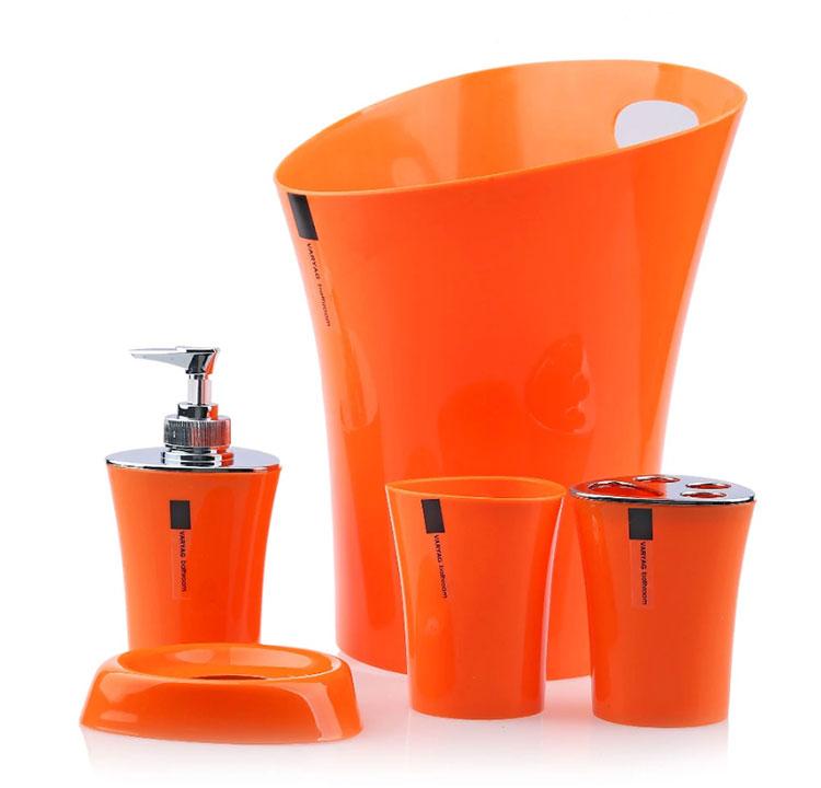 Modello di accessori per bagno arancione 01