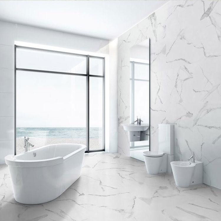 Idee per arredare un bagno in marmo bianco n.23