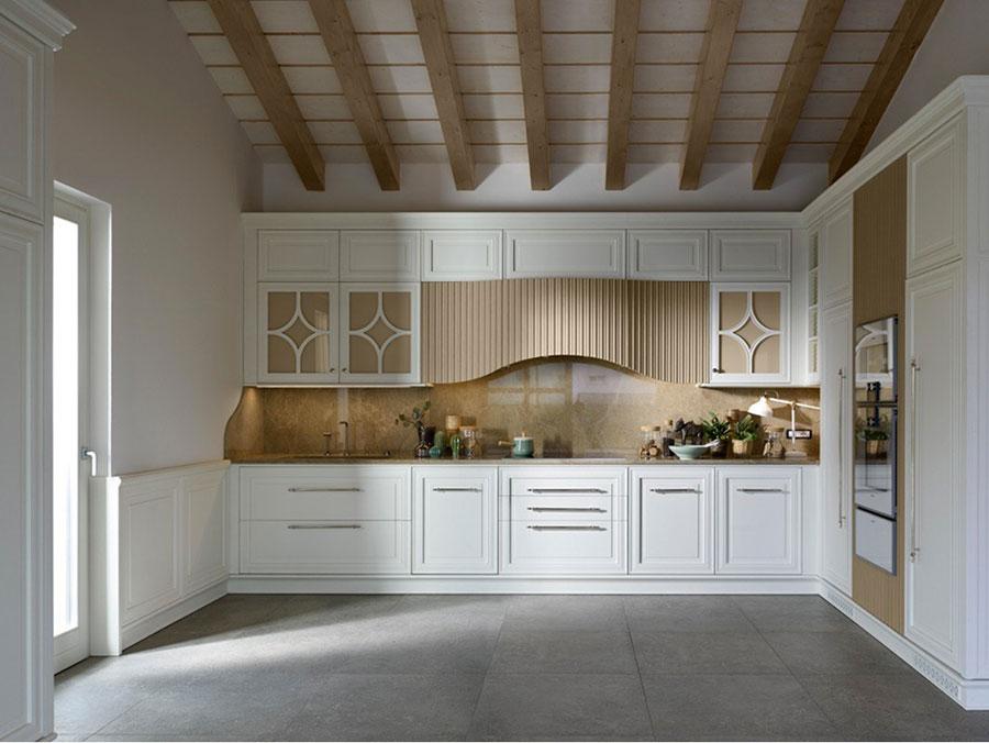 Modello di cucina classica bianca e legno n.01