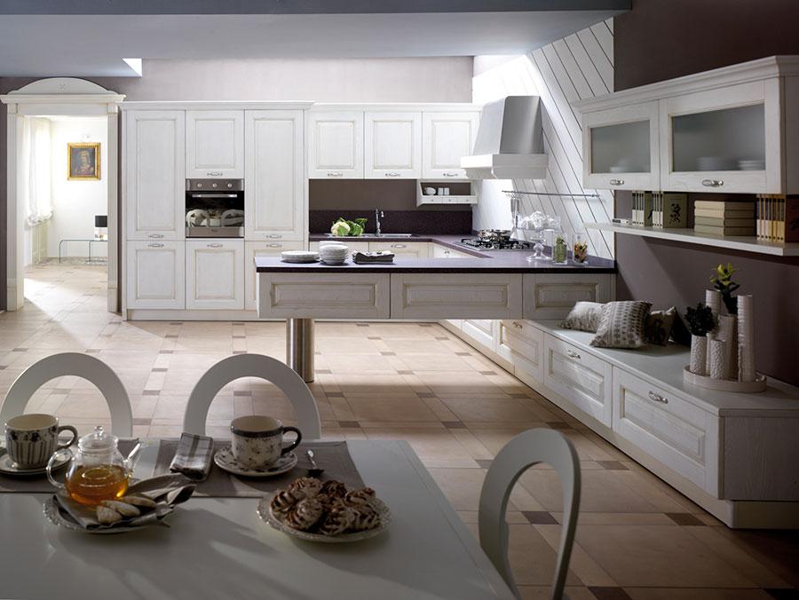 Modello di cucina classica moderna bianca n.05