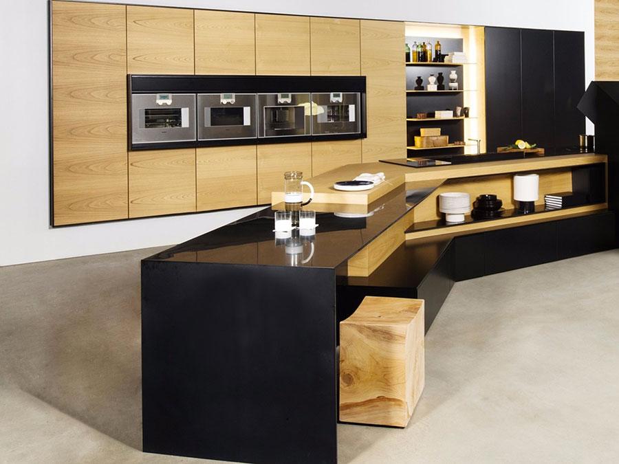 Modello di cucina nera e legno n.04