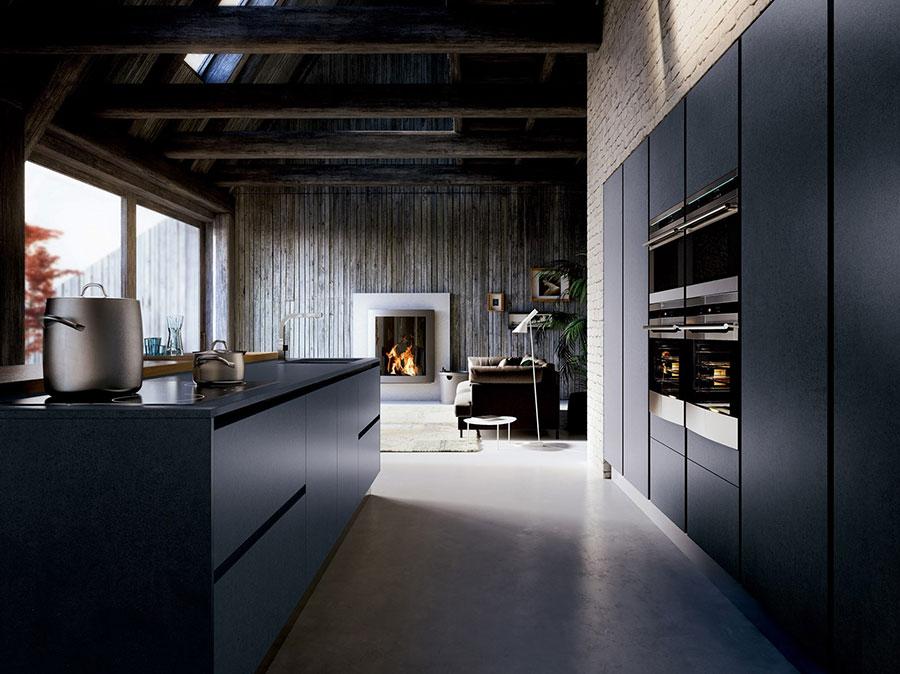 Modello di cucina nera opaca n.06