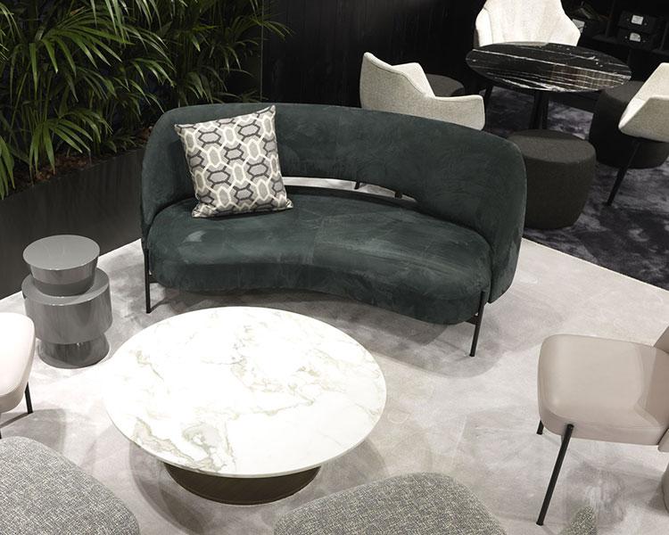 Modello di divano curvo piccolo n.10