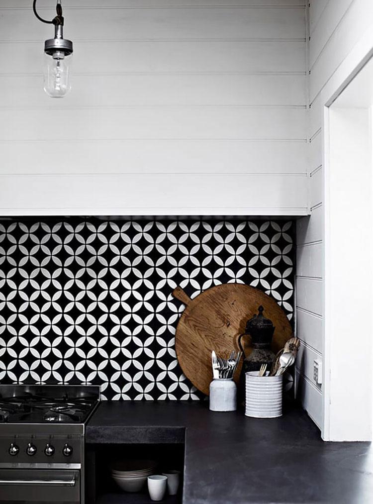 Modello di piastrelle per cucina bianca e nera n.02