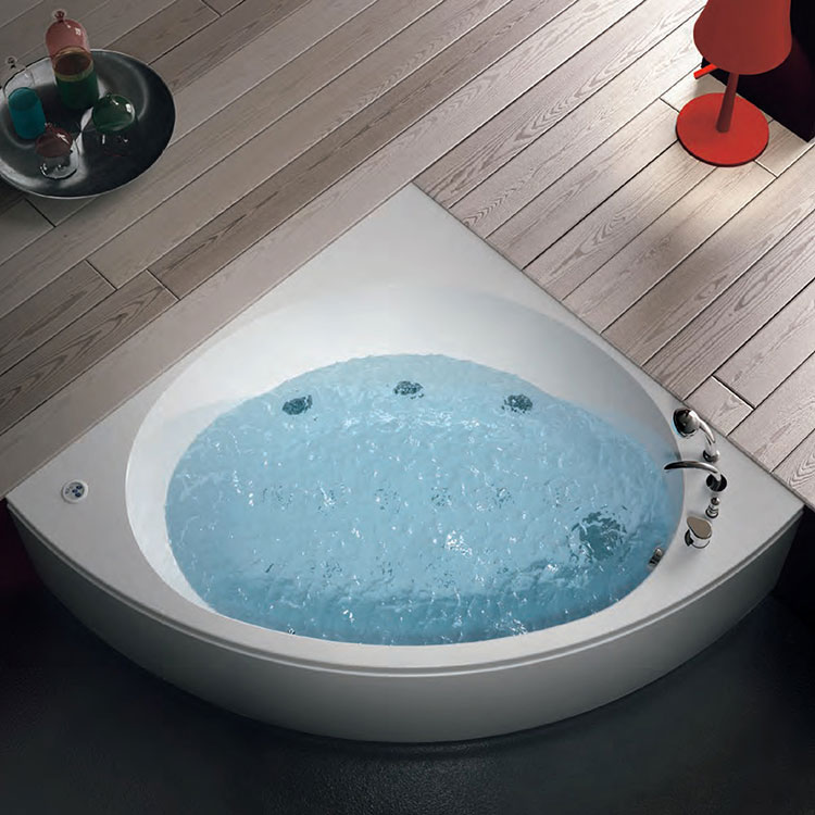 Modello di vasca da bagno piccola da 120 cm n.02