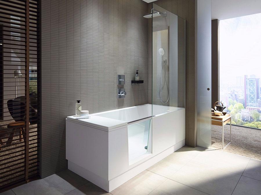 Modello di vasca da bagno piccola con box doccia n.02