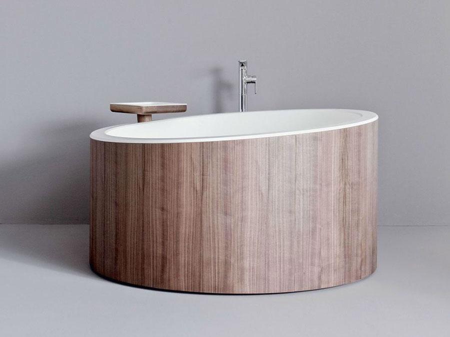 Modello di vasca da bagno piccola con seduta n.01