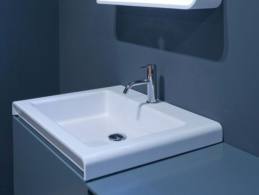Modello di lavabo da appoggio rettangolare di Antonio Lupi n.03
