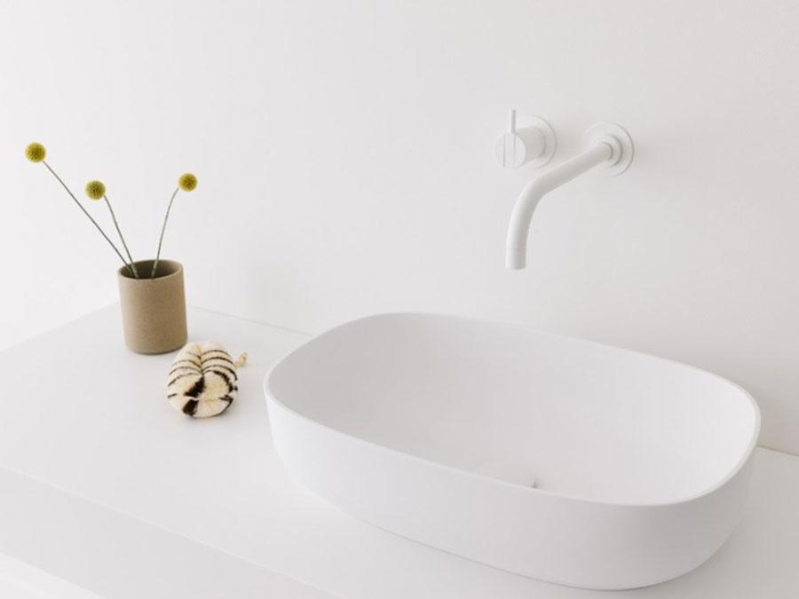 Modello di lavabo da appoggio rettangolare di Not Only White n.01
