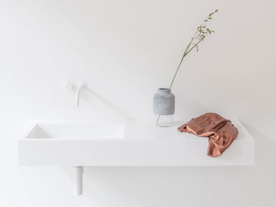 Modello di lavabo da appoggio rettangolare di Not Only White n.06