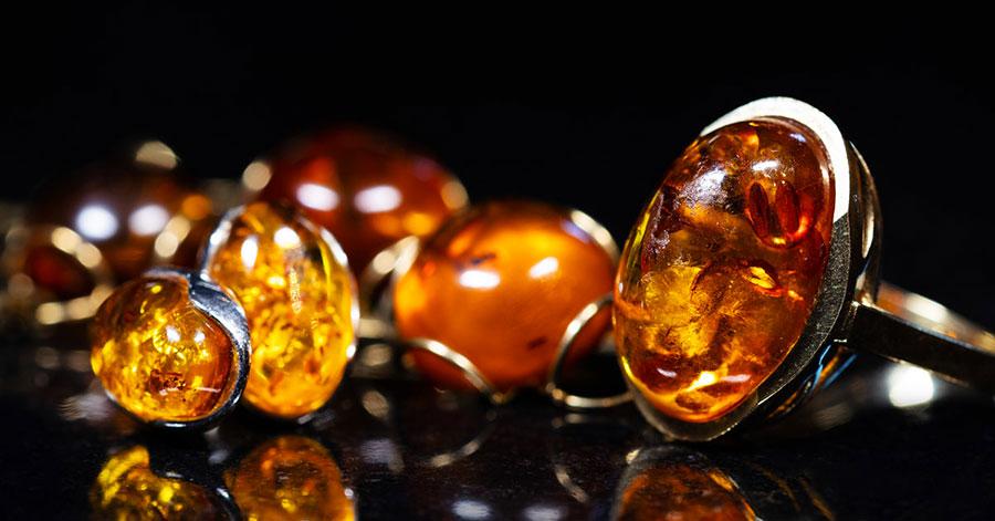 Colore pietra ambra