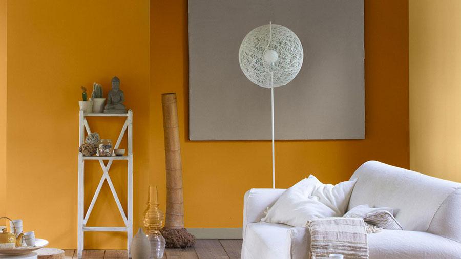 Idee per utilizzare il colore ambra nel soggiorno n.01