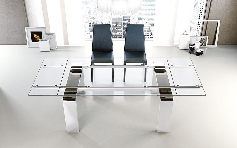 Modello di tavolo in cristallo allungabile n.02