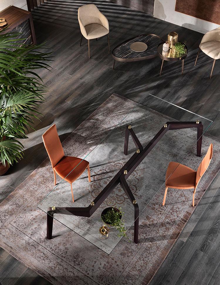 Modello di tavolo in cristallo e legno n.02