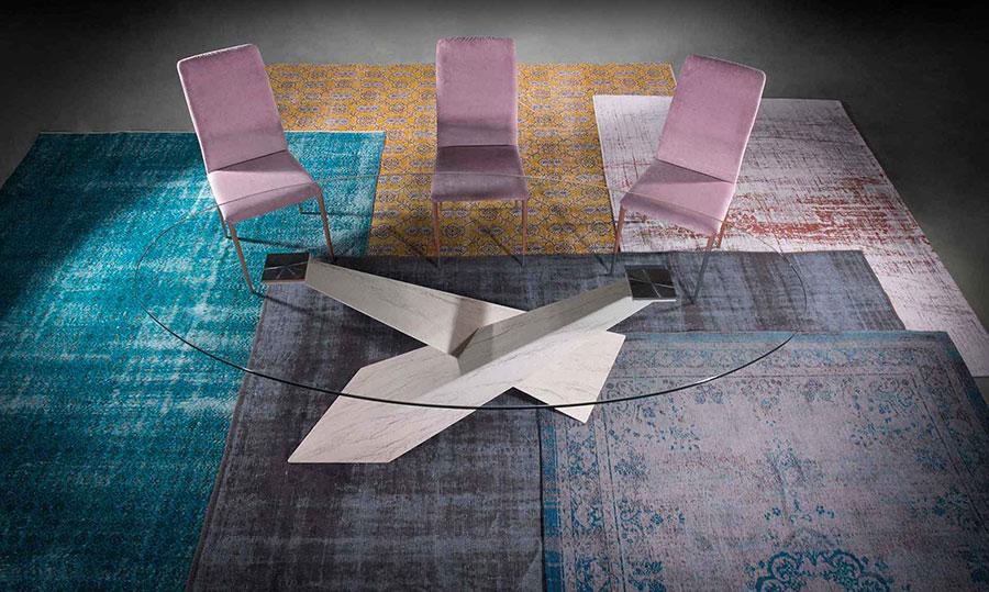 Modello di tavolo in cristallo ovale n.02