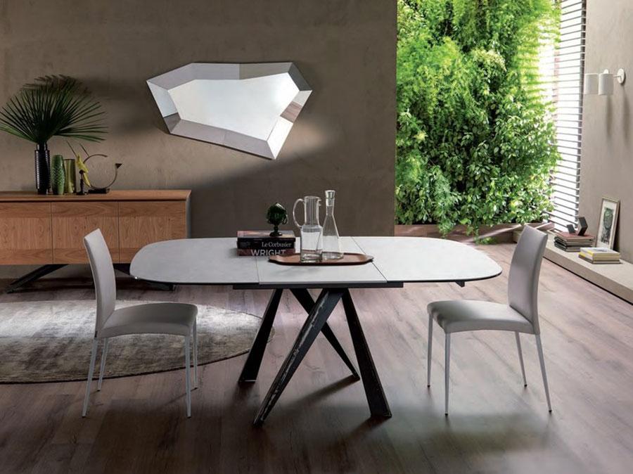 Modello di tavolo in cristallo ovale n.06