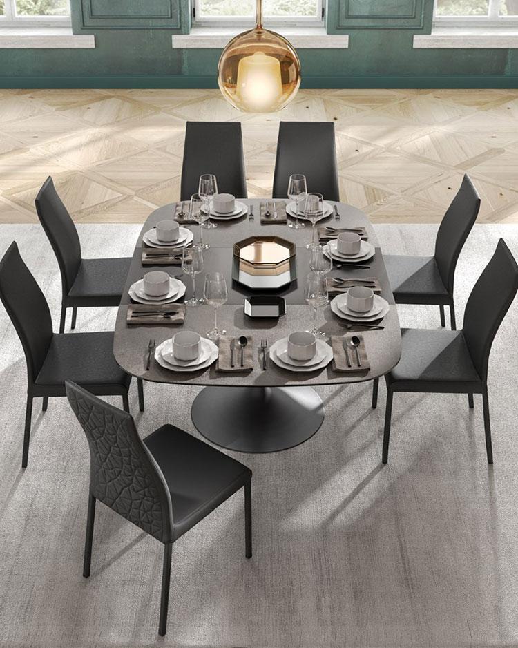 Modello di tavolo in cristallo ovale n.07