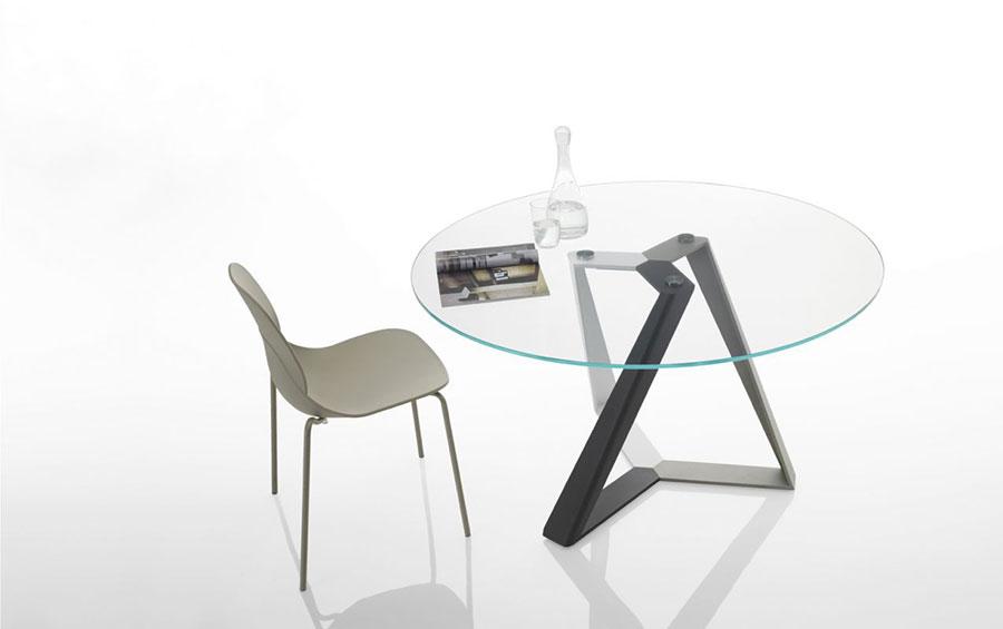 Modello di tavolo in cristallo rotondo n.05