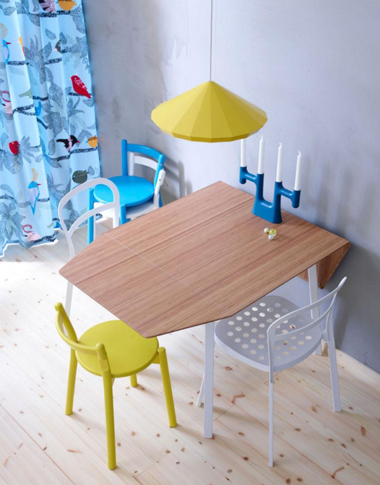 Modello di tavolo quadrato allungabile Ikea n.01