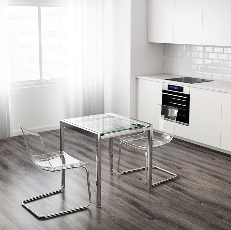 Modello di tavolo quadrato allungabile Ikea n.03