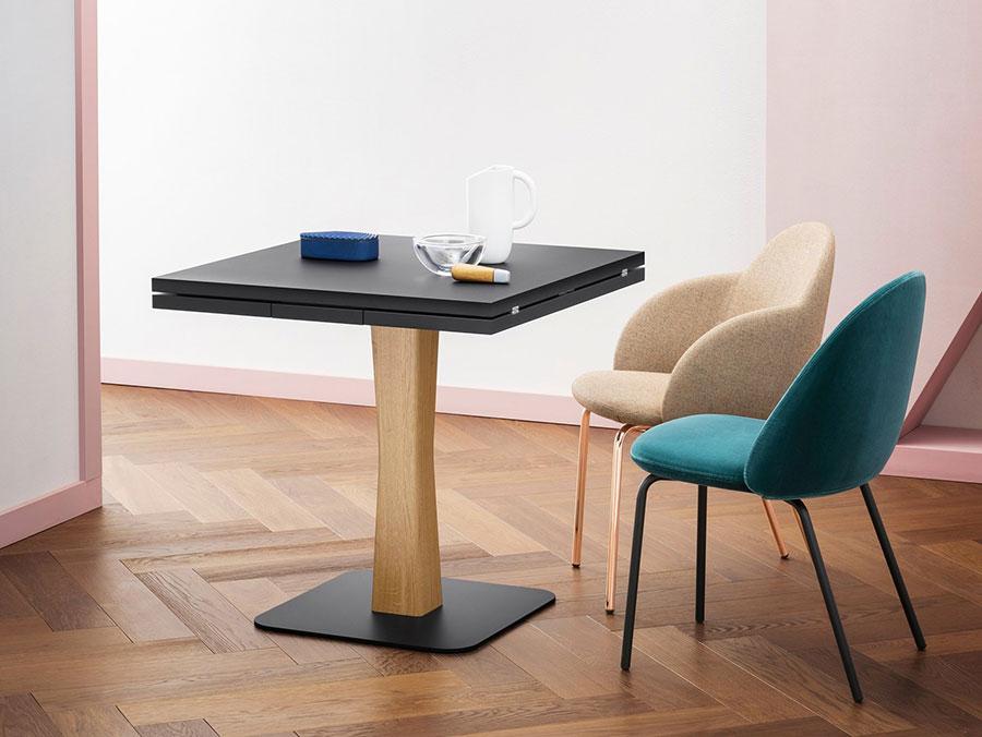 Modello di tavolo quadrato allungabile a libro n.01