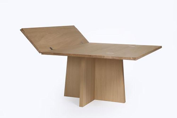 Modello di tavolo quadrato allungabile a libro n.05