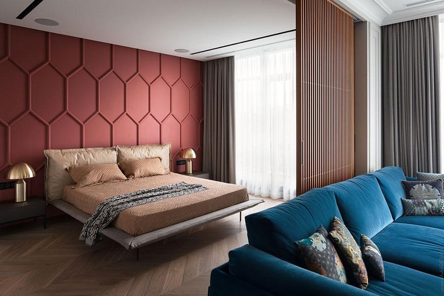 Idee per decorare la parete dietro al letto con i rivestimenti n.01