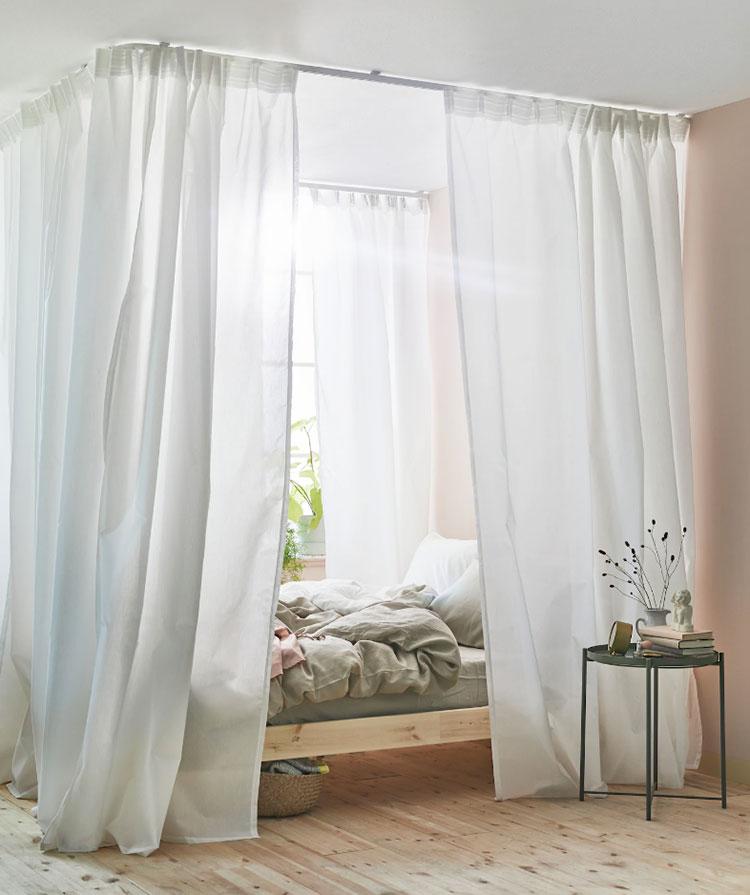 Modello di letto a baldacchino Ikea n.01