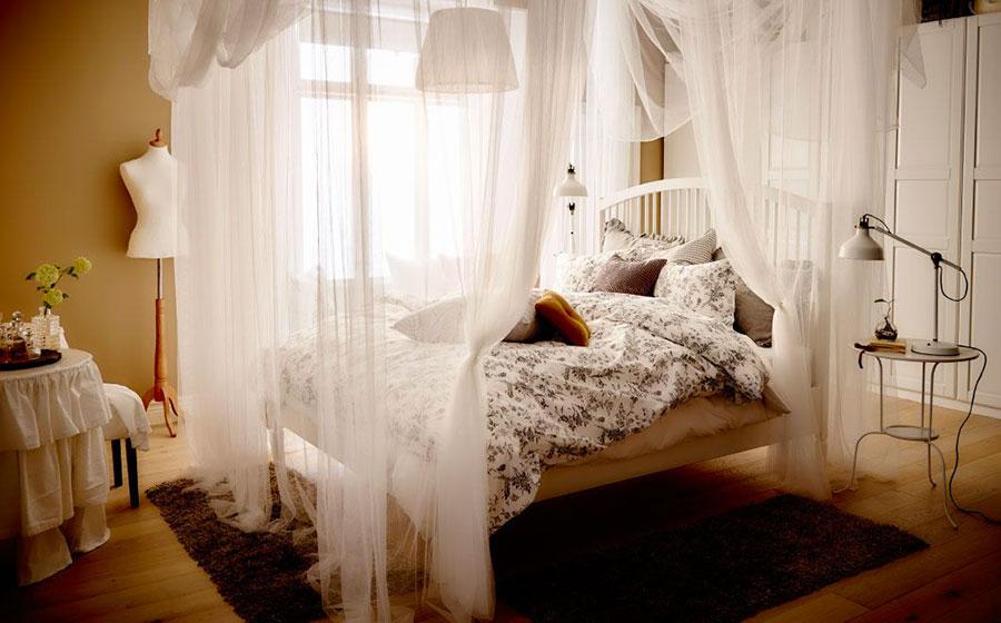 Modello di letto a baldacchino Ikea n.03