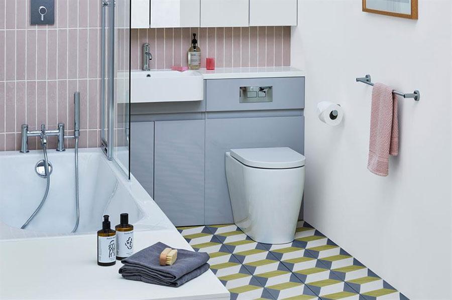 Idee per arredare un bagno di 2 mq n.15