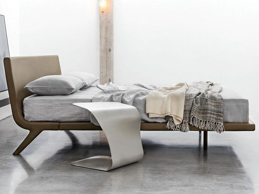 Modello di comodino per piccoli spazi n.05