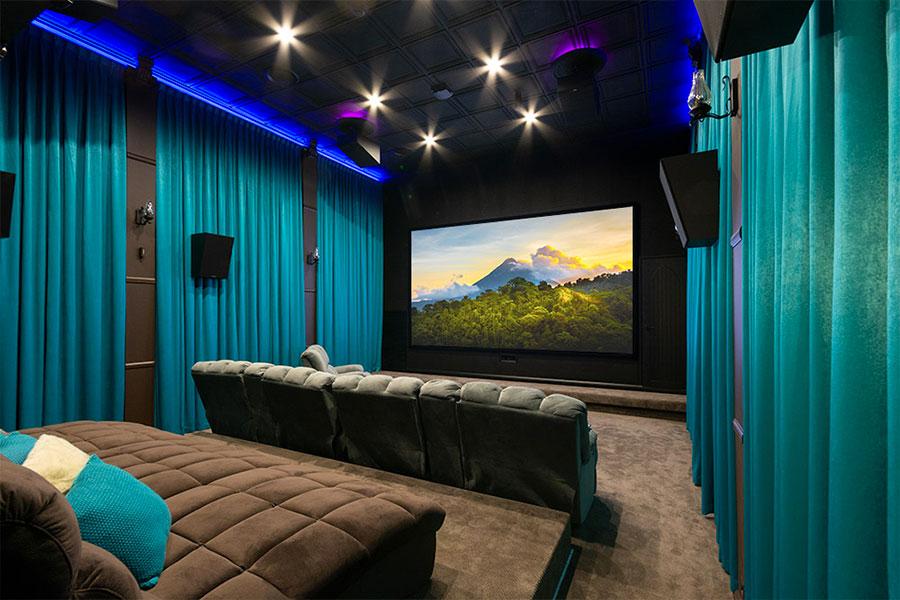 Idee per realizzare una sala cinema in casa n.11