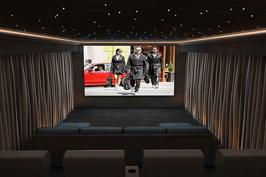 Idee per realizzare una sala cinema in casa n.16