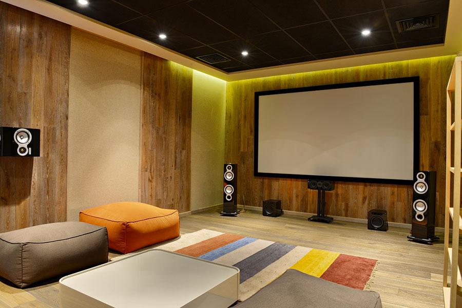 Idee per realizzare una sala cinema in casa n.19