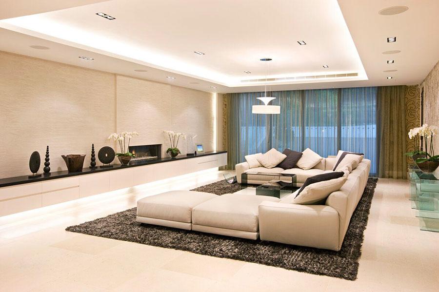 Idee per illuminare il controsoffitto del soggiorno con faretti e led n.10