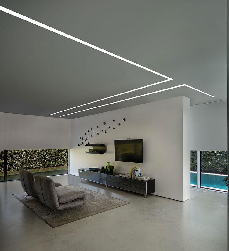 Idee per illuminare il controsoffitto del soggiorno con strisce led n.10