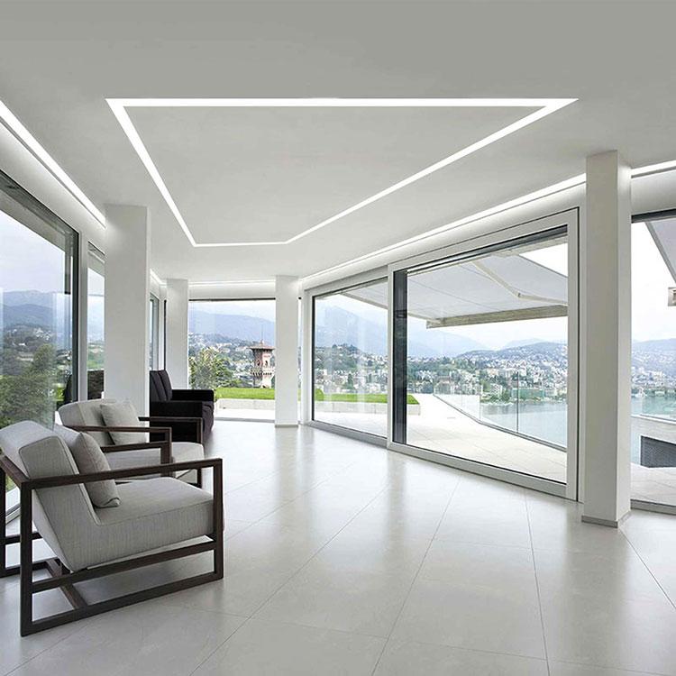 Idee per illuminare il controsoffitto del soggiorno con strisce led n.11