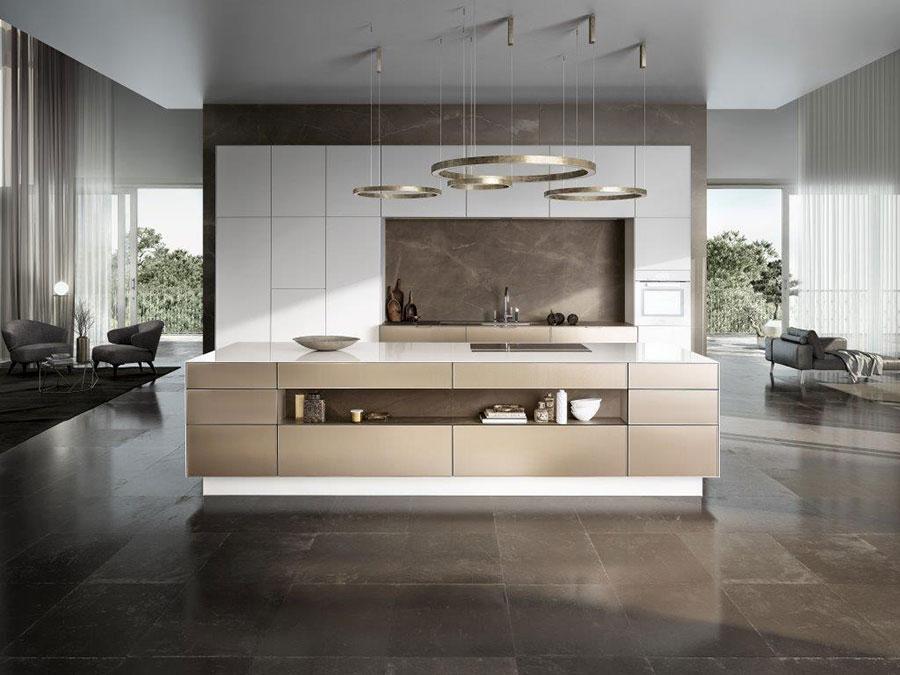 Modello di cucina beige e bianca n.01