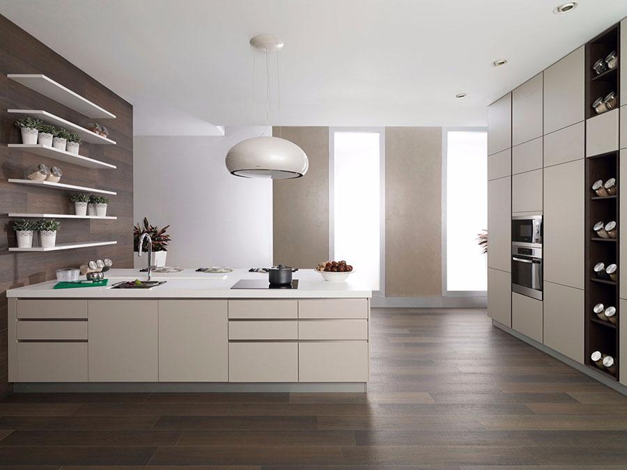 Modello di cucina beige e bianca n.02