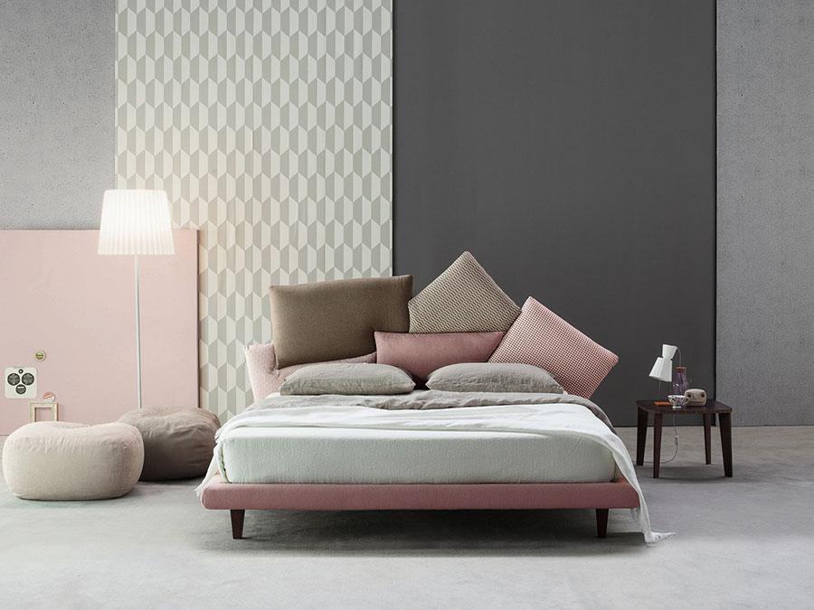 Modello di letto imbottito di Bonaldo n.01