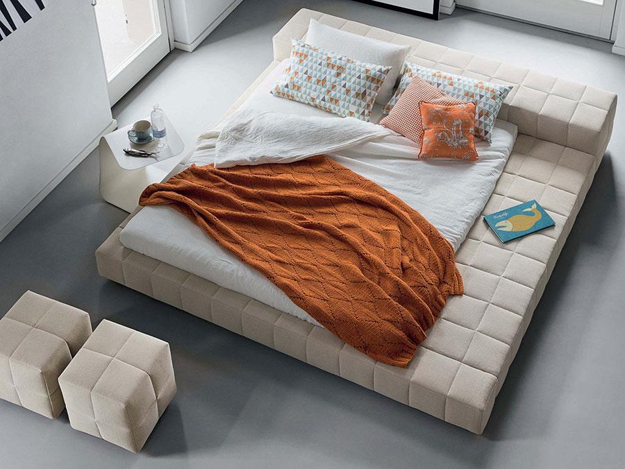 Modello di letto imbottito di Bonaldo n.02