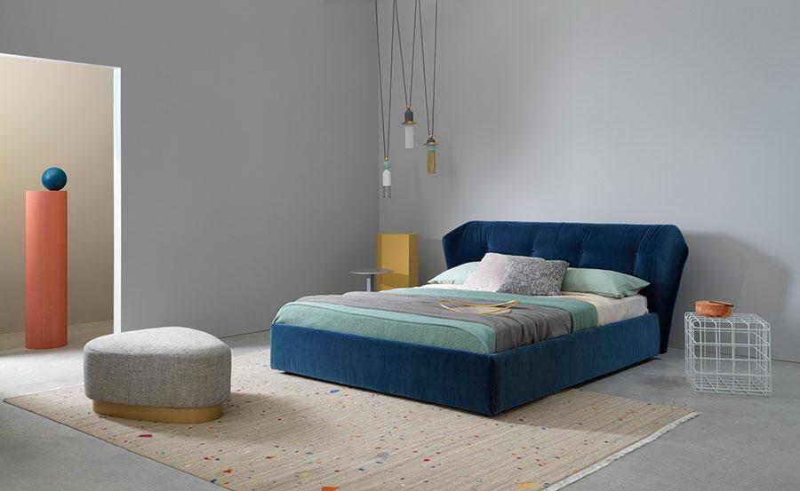 Modello di letto imbottito di Saba Italia n.01