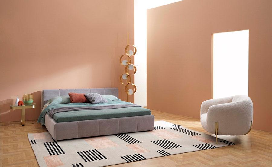 Modello di letto imbottito di Saba Italia n.02