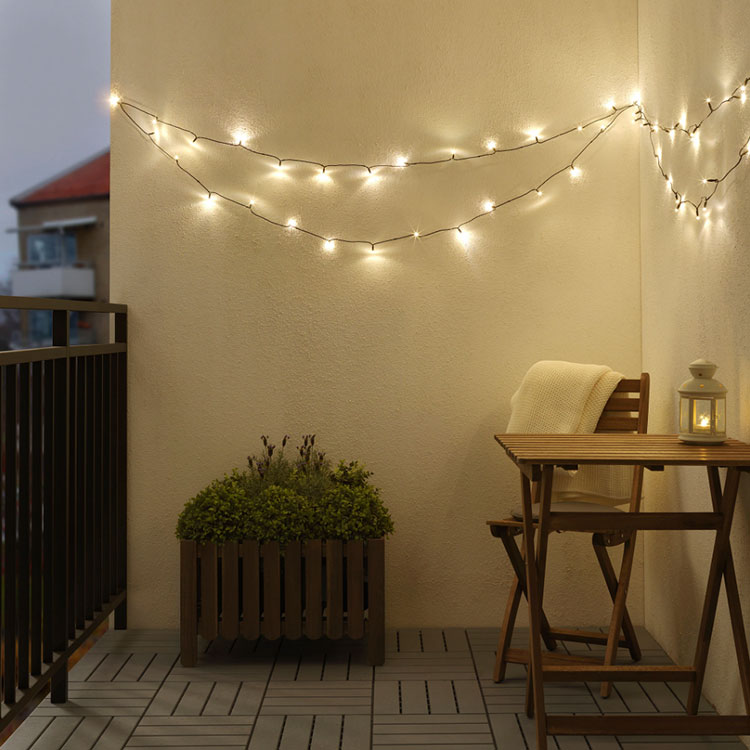 Come arredare un terrazzo low cost con luci 03