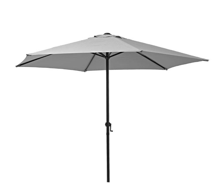 Come arredare un terrazzo low cost con ombrelloni 01
