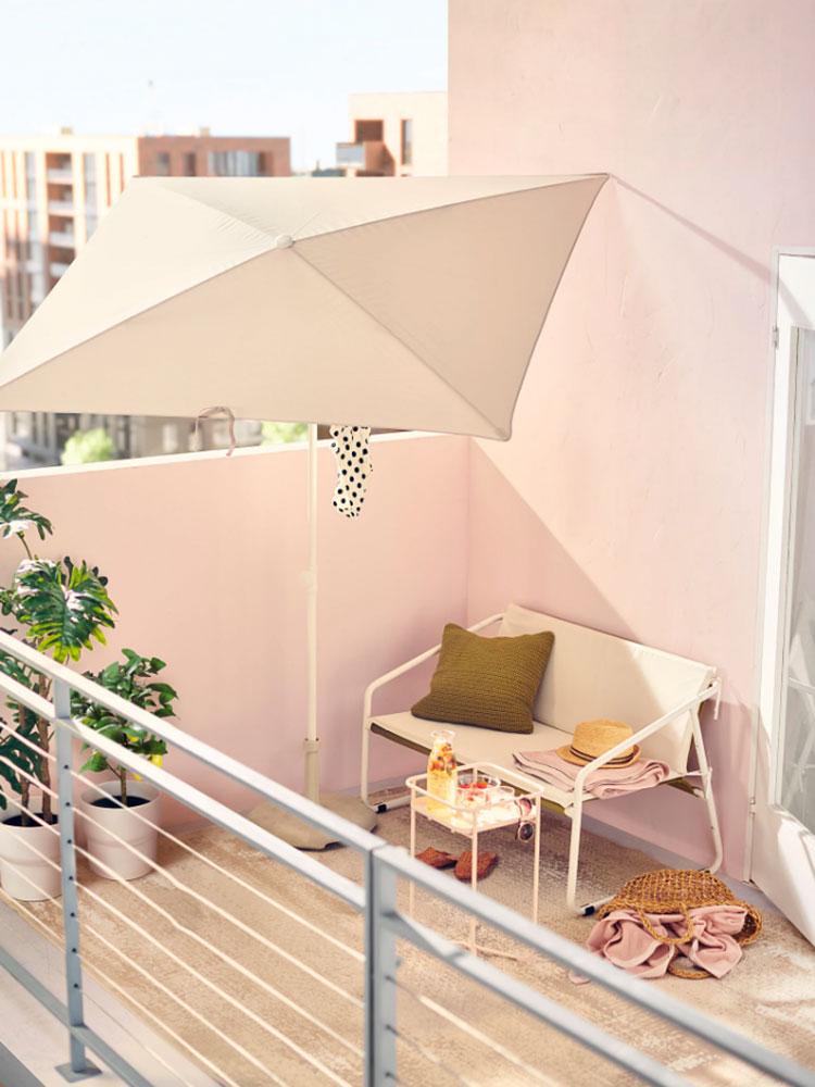Come arredare un terrazzo low cost con ombrelloni 04