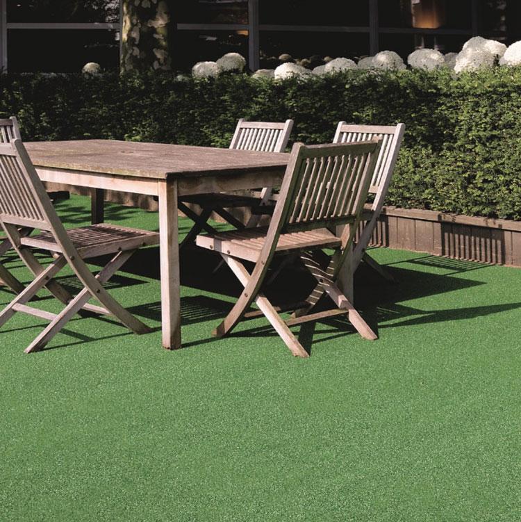 Come arredare un terrazzo low cost con pavimentazione 04