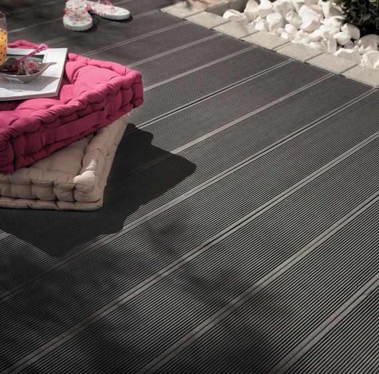 Come arredare un terrazzo low cost con pavimentazione 05